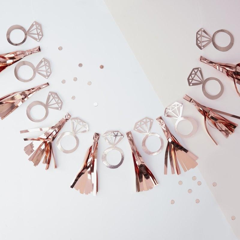 Guirlande de Diamants et Tassels dorés pour EVJF et Mariage