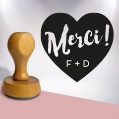 Tampon personnalisé avec initiales modèle Merci format cœur plein (illustration)