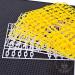 Lettres jaunes et blanches, 350 caractères
